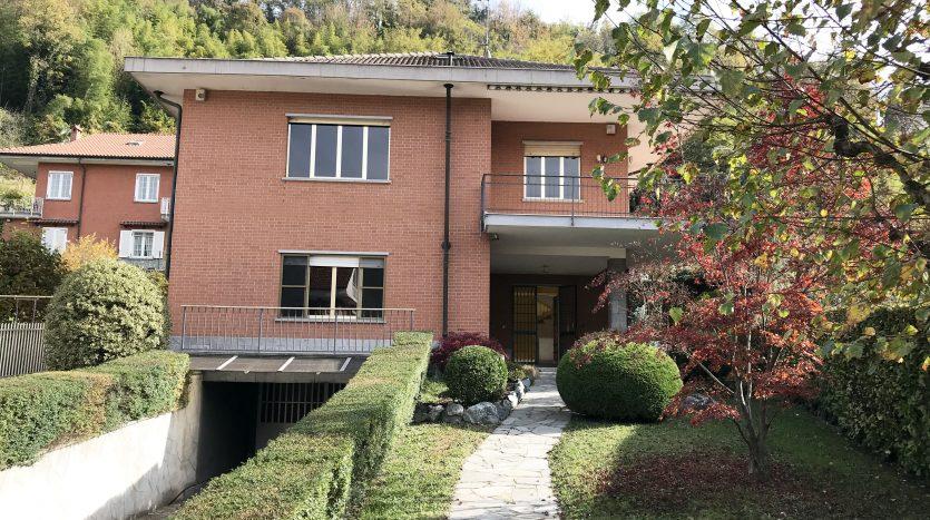 Elegante villa bifamiliare